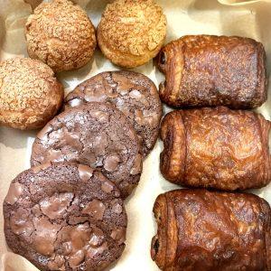Pâtisserie Décadentes Pastry Box